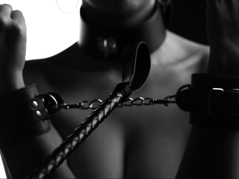 A Beginners Guide to Bondage. 7 Tips for BDSM Beginners - Handcuffs